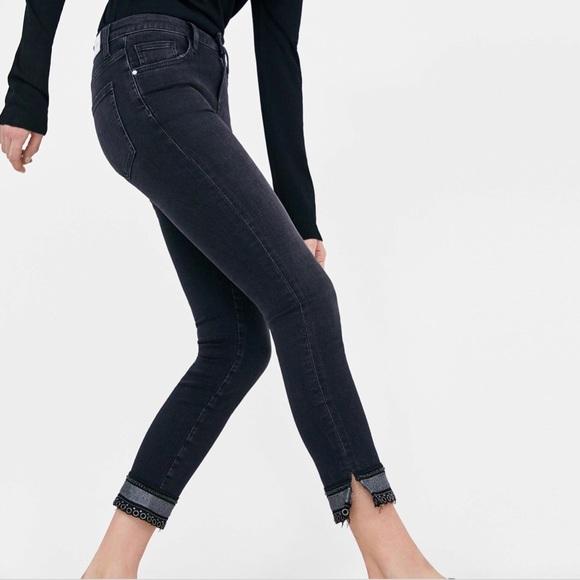 ac7403e749 Zara Black Denim Mid Rise Skinny embellished - 6 NWT